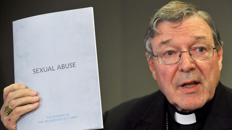 Le cardinal George Pell (ici en 2012), ancien archevêque de Sydney et Préfet du secrétariat pour l'économie du Saint-Siège, est confronté à des accusations d'abus sexuels  ©Keystone