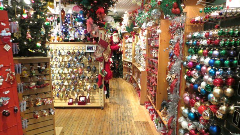 """Une partie des magasins en Suisse devraient ouvrir la veille de Noël (Photo d'illustration:AILAFM/Flickr/<a href=""""https://creativecommons.org/licenses/by-nc-nd/2.0/legalcode"""" target=""""_blank"""">CC BY-NC-ND 2.0</a>)"""