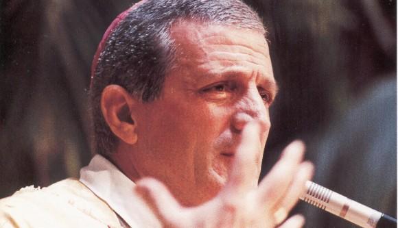 Mgr Antonio Bello, mieux connu sous le nom de 'don Tonino', 'l'évêque des oubliés' Photo DR