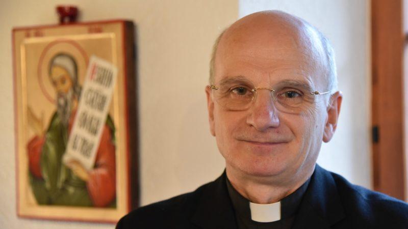 Le Père Duloisy est exorciste pour le diocèse de Paris | © Raphaël Zbinden