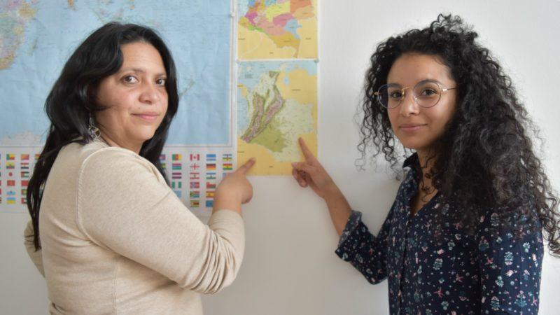 Colombie Erika Gomez, de la Commission permanente pour la défense des droits humains, et Yina Lucia Avella Bruges, coopér-actrice de Comundo en Colombie  | © Jacques Berset