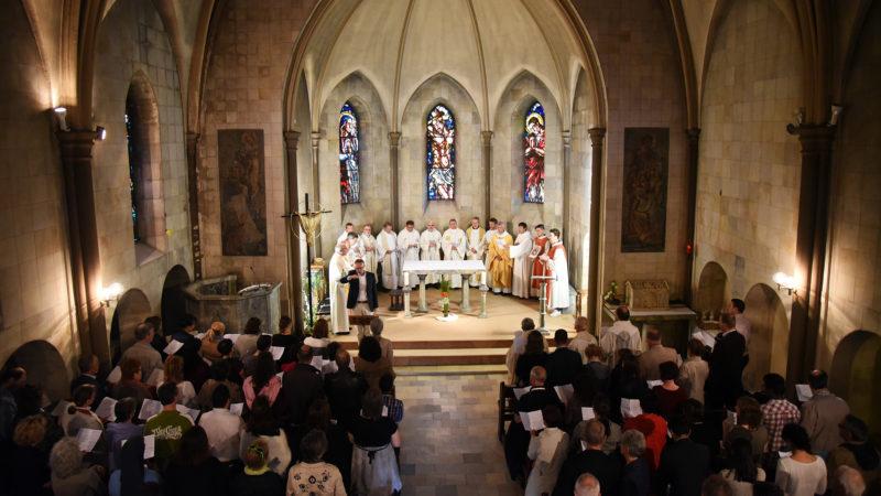 L'intérieur de l'église Saint-Clément, à Bex /photo: remise des diplômes de l'IFM, 4 juin 2016 | © Pierre Pistoletti