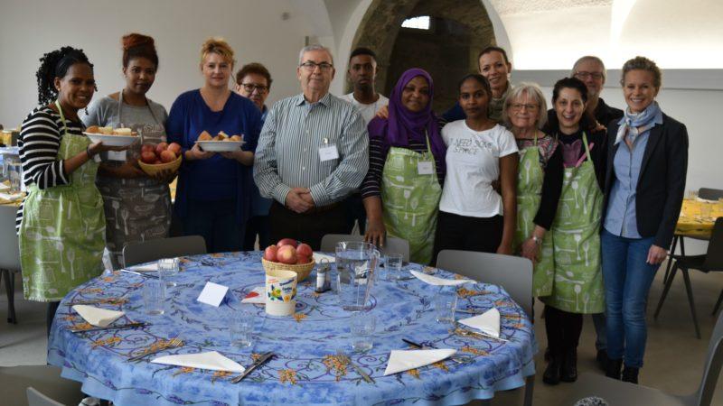 Les repas-partage de Caritas Fribourg au couvent des Cordeliers | © Jacques Berset