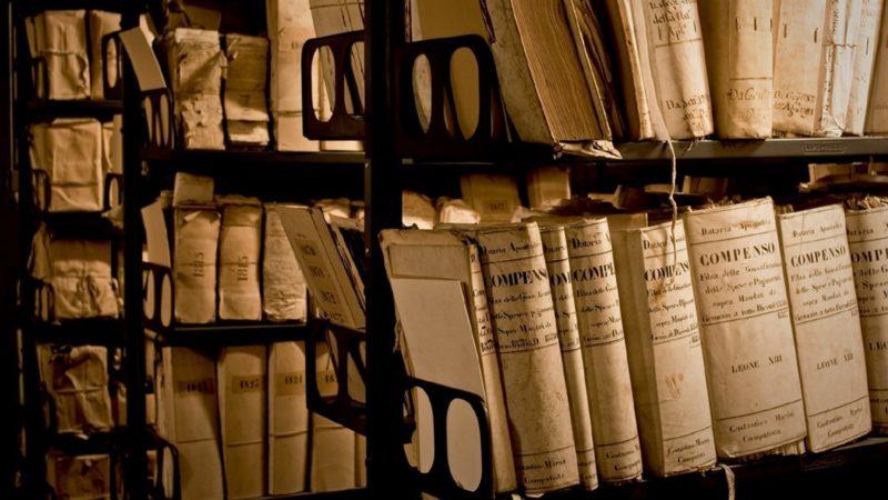 Les Archives secrètes du Vatican rassemblent 85 km de documents | Archivum secretum vaticanum