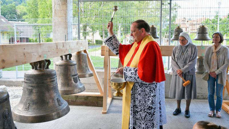 Le chanoine Thomas Rödder pendant le baptême des cloches à Moutier | © Philippe Girardin / Flickr / CC BY-NC-ND 2.0
