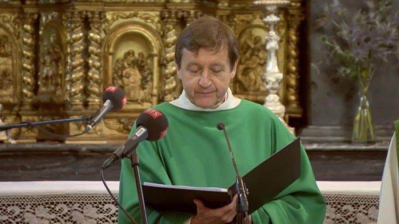 L'abbé François-Xavier Amherdt présidait la messe à l'Hospice du Gd-St-Bernard |©RTS