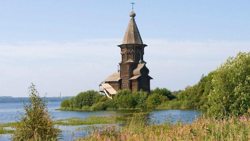 Rôle eschatologique de la Russie? L'église-de-l'Assomption-à-Kondopoga-détruite-par-un-pyromane-wikipedia-800x450