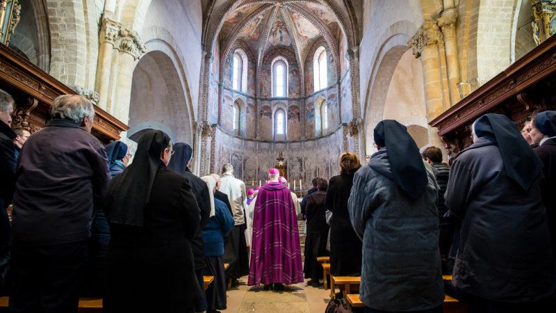 Cérémonie de prière et de pénitence en faveur des victimes d'abus sexuels. Sion, 6 décembre 2016 | © Keystone