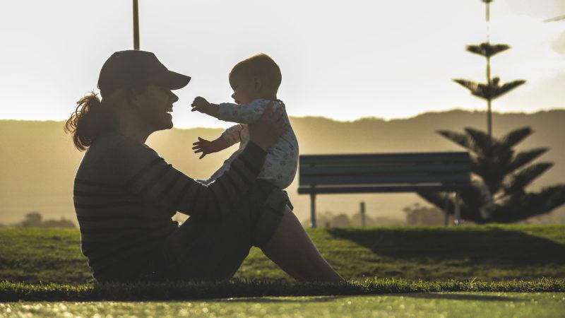 """""""Des enfants naissent et grandissent au sein de familles éclatées (...) Il leur arrive même d'être les enfants de l'amour.""""   © Pixabay"""