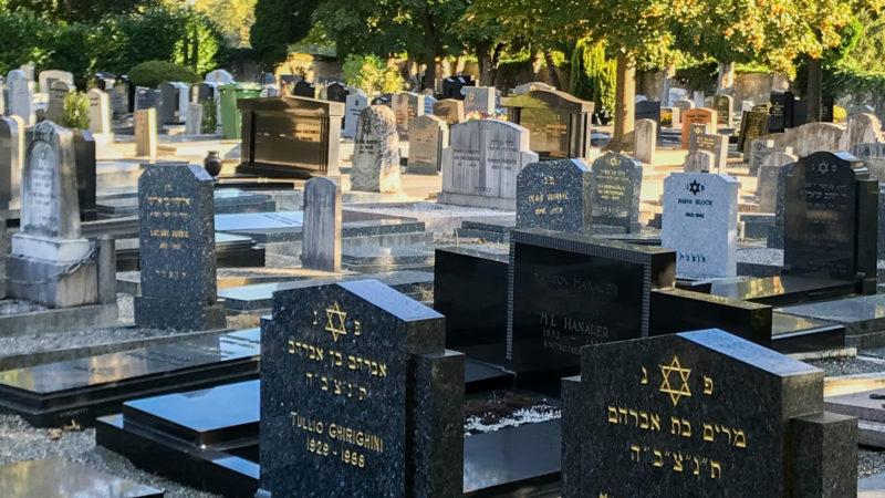 La visite du cimetière israélite de Veyrier (GE) s'est déroulée dans le cadre des Journées européennes du patrimoine | © Myriam Bettens