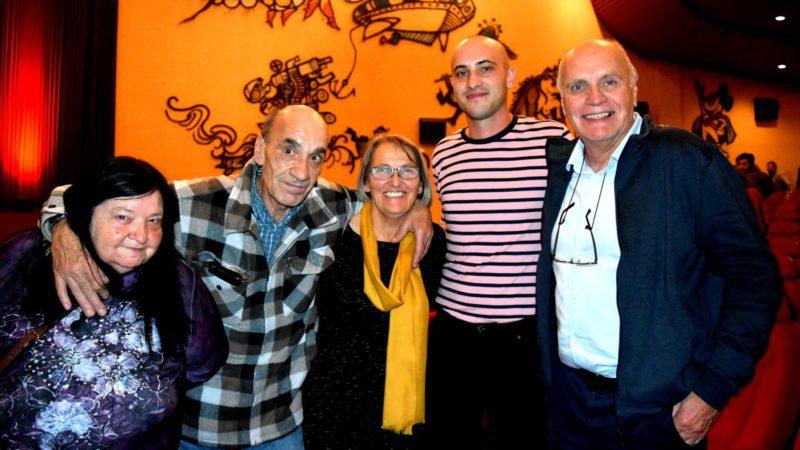 De droite à gauche:  Eugen, Simeon et Anne-Claire Brand, avec Jean-Marc Schafer et Nelly Schenker | © Jacques Berset