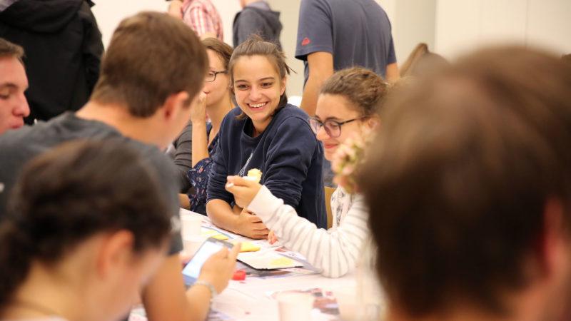 Soirée jeunes à Martigny en lien avec le synode des jeunes. | © B. Hallet