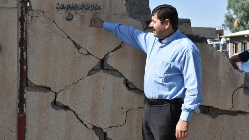 Mossoul Sur le mur de la paroisse du Père Emmanuel, la marque 'Propriété de l'Etat islamique' et le N désignant les chrétiens | ©  Jacques Berset