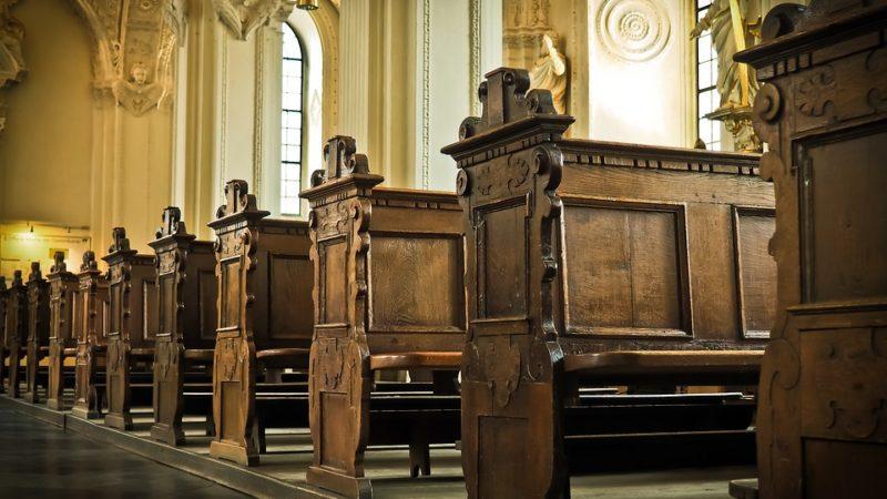 Six féministes suisses alémaniques quittent l'Eglise    domaine public