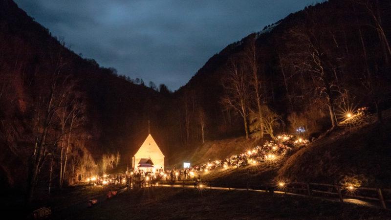 La lumière de la paix brille dans la nuit du Ranft | service de presse
