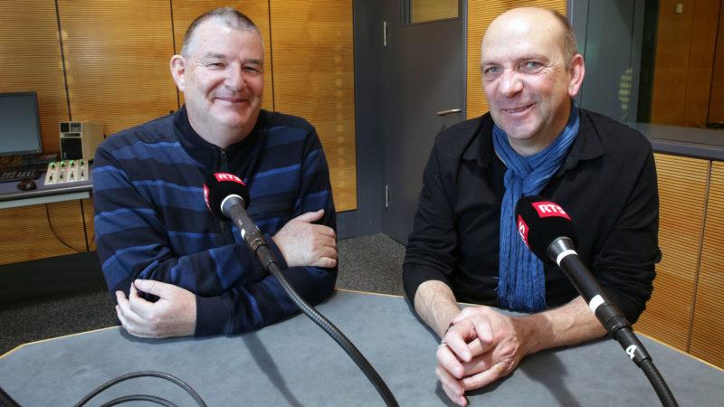 Dominique Voinçon (à g.) et Cyril Dépraz se retrouvent au studio pour les 20 ans de Hautes Fréquences. | © B. Hallet