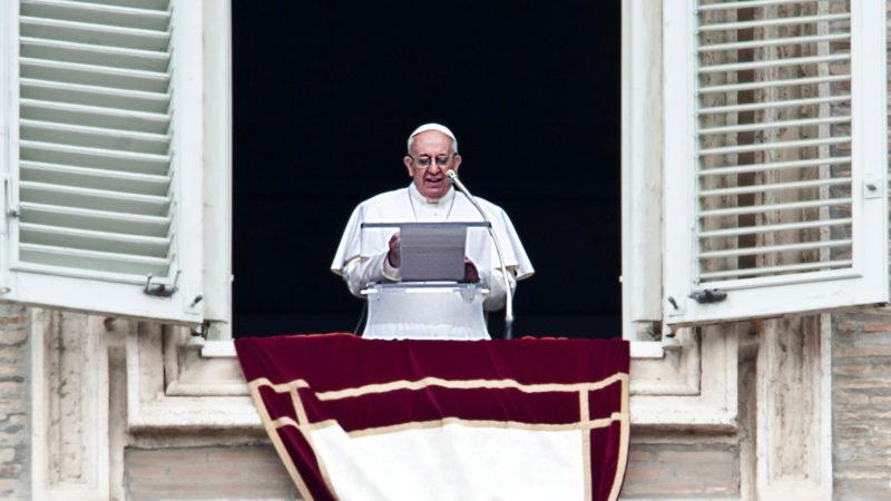 Le pape, lors de la prière de l'angélus   © Flickr/catholicism/CC BY-NC-SA 2.0