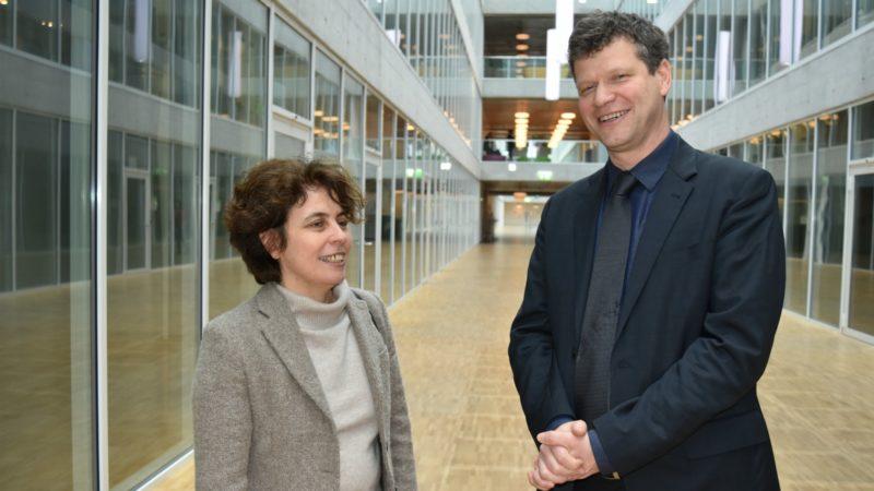 La directrice de thèse, Mounia Bennani-Chraïbi, avec Roberto Simona | © Jacques Berset