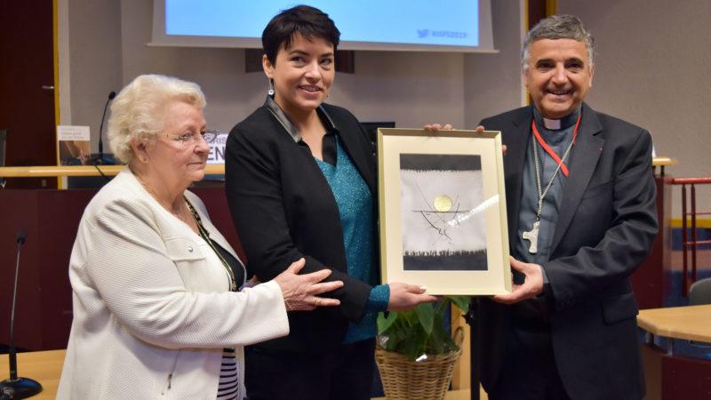 Remise du Prix Jacques Hamel à Christelle Ploquin, avec Roseline Hamel et Mgr Dominique Lebrun | © Jacques Berset