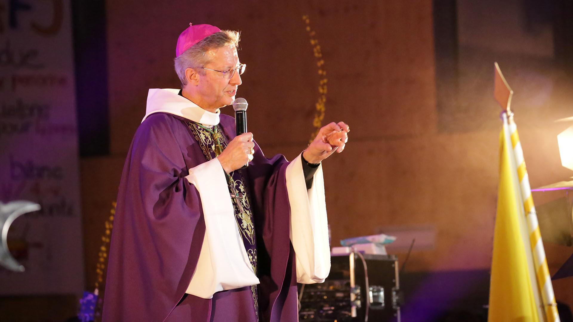 Grand-Messe d'OpenSky.Mgr Alain de Raemy évoque la parabole du Fils prodigue. | © B. Hallet