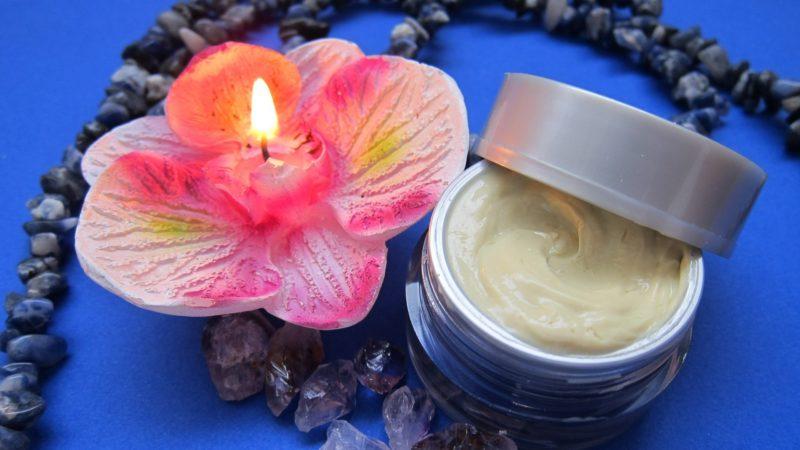 La pharmacie du Vatican a ouvert un rayon cosmétiques   CC0 domaine public