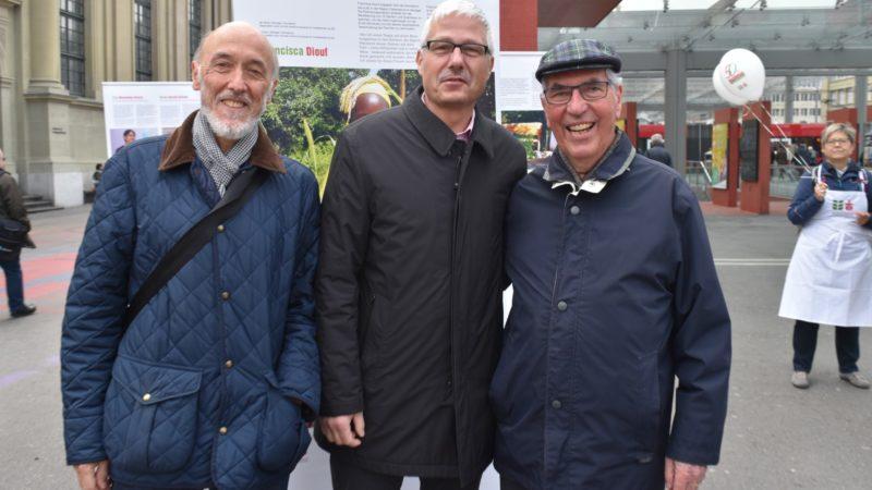D'anciens directeurs se rencontrent à Berne pour le Jubilé De gauche à droite Beat Dietschy, de Pain pour le prochain, Antonio Hautle et Ferdinand Luthiger, d'Action de Carême   © Jacques Berset