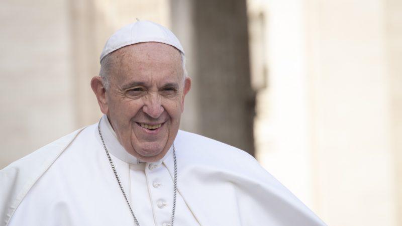 Le pape François arrive à l'audience générale | © Antoine Mekary I.Media