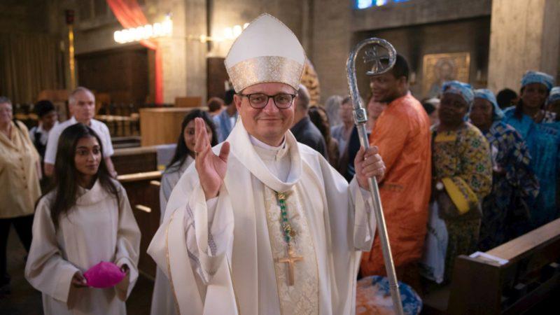 Pourquoi l'évêque de Bâle a-t-il sa cathédrale à Soleure? (ici Mgr Felix Gmür) | © Leonie Gross