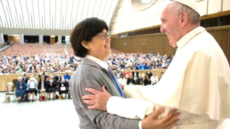Sœur Carmen Sammut, présidente de l'Union internationale des supérieures générales, reçue par le pape François | Flickr