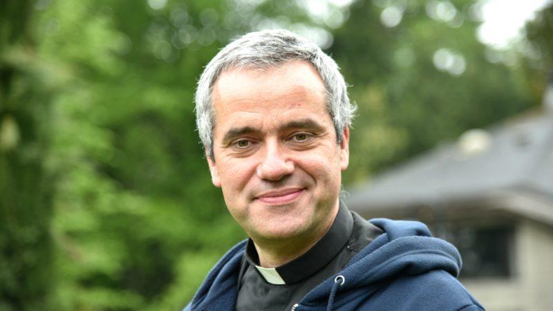 Le Père Jean-Paul Hernandez enseigne la théologie à la Faculté de Naples et à l'Université grégorienne de Rome | © Raphaël Zbinden