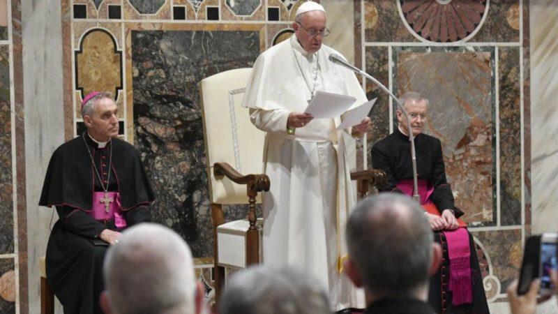 Le pape François a demandé aux médecins de la FIAMC de respecter le don de la vie 'du début à la fin' | Vatican Media