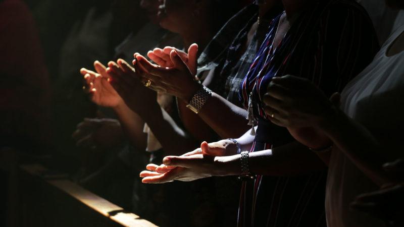 Saint-Maurice le 2 juin 2019. Chants et rythmes lors de la messe du pèlerinage aux saints d'Afrique. | © B. Hallet