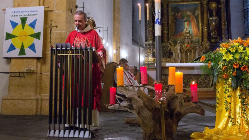 L'abbé Pascal Desthieux a exhorté les fidèles à vivre de l'Esprit. | © Marion Perraudin