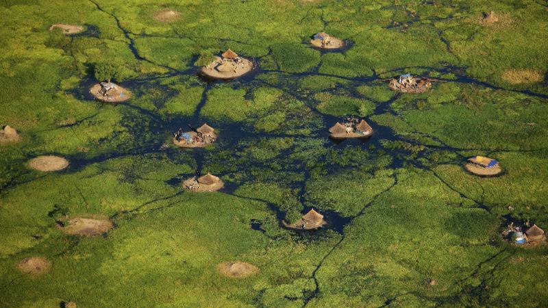 Village dans les marais du Sudd, Soudan du Sud. | © Yann Arthus-Bertrand