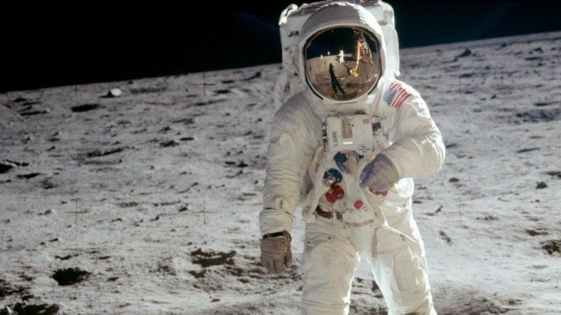 En 1969, un homme foulait pour la première fois le sol lunaire.