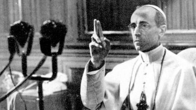 Il 2 marzo 1939, nel giorno del suo 63º compleanno, il cardinale Eugenio Maria Pacelli diventa Papa con il nome di Pio XII. (foto archivio GdP)