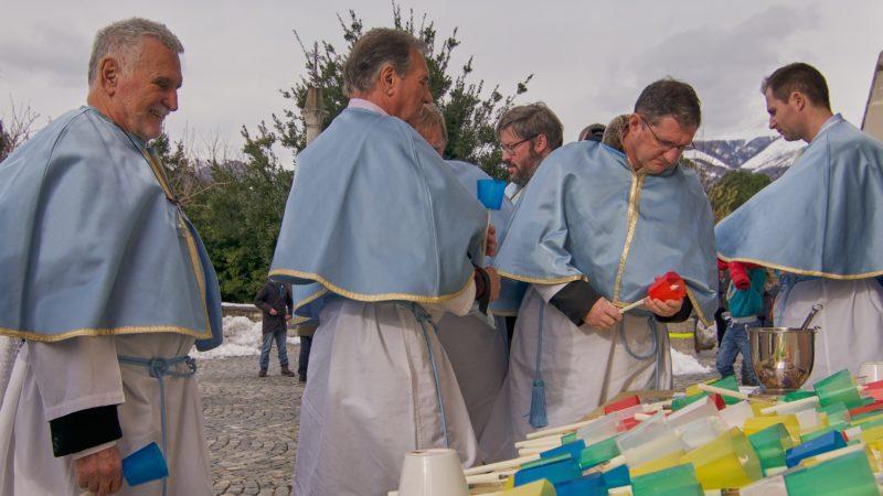 L'inizio della processione della Candelora.