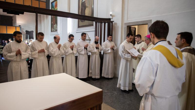 Un momento della celebrazione nella chiesa di San Giuseppe a Lugano
