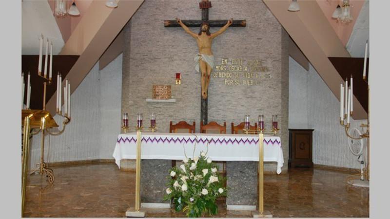 Altar der Kapelle der Göttlichen Vorseheung in San Salvador, wo Oscar Romero ermordet wurde| © 2014 Jacques Berset
