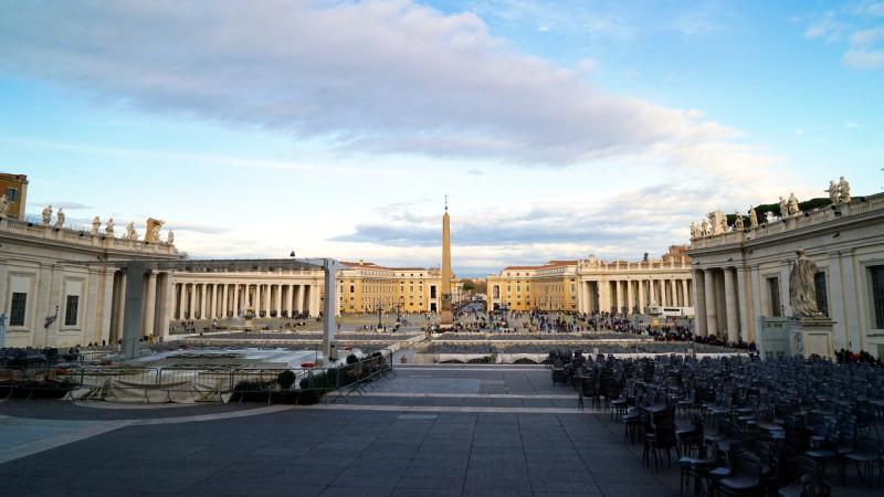 Petersplatz, Rom | © 2016 Georges Scherrer Vatikan Kolonaden Brunnen