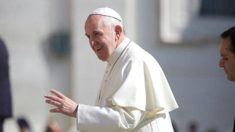 Papst Franziskus auf dem Petersplatz   © 2016 Oliver Sittel