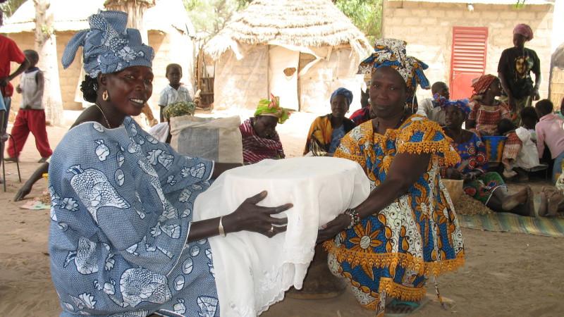 Dorfgruppe in Ngemome